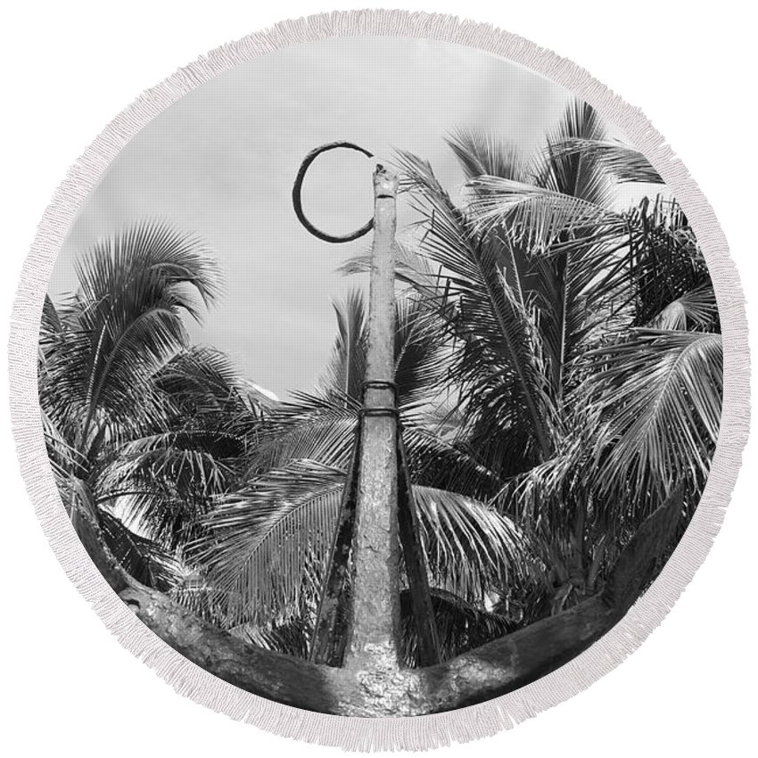 Black And White Round Beach Towel featuring the photograph Black And White Anchor by Rob Hans