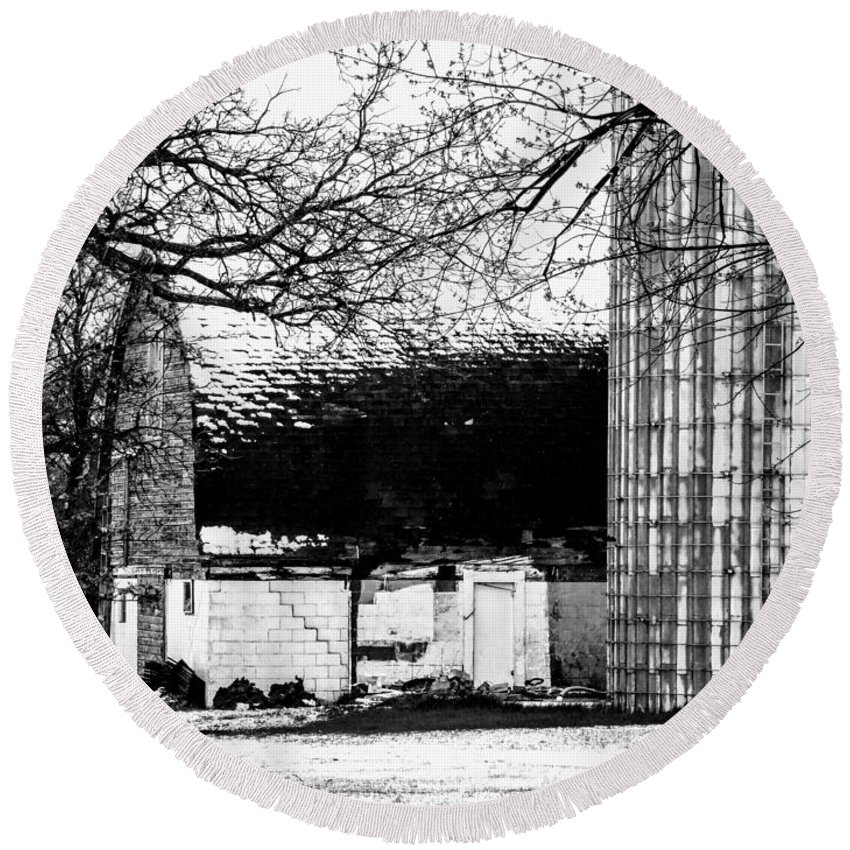 Black And White Round Beach Towel featuring the photograph Black And White Barn And Silo by Curtis Tilleraas