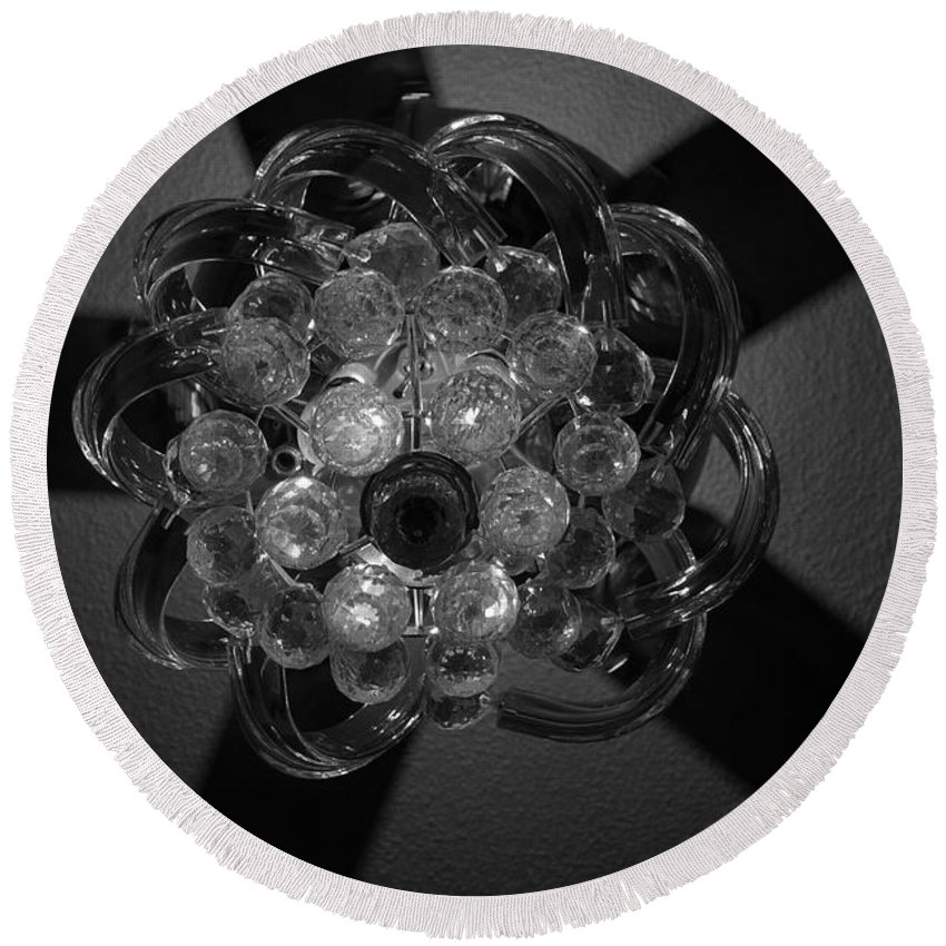 Fan Round Beach Towel featuring the photograph Black And White Crystal by Rob Hans