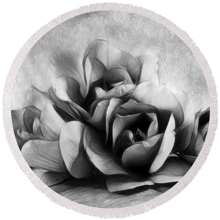 Magnolia Round Beach Towel featuring the photograph Black And White Is Beautiful by Georgiana Romanovna
