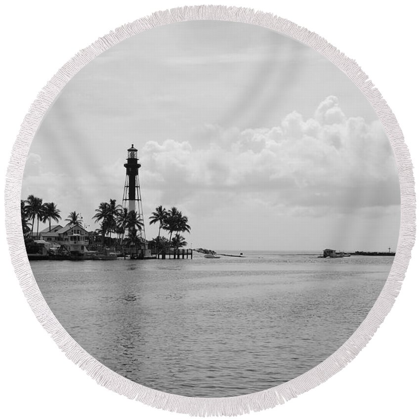 Landscape Round Beach Towel featuring the photograph Black And White Lighthouse by Rob Hans