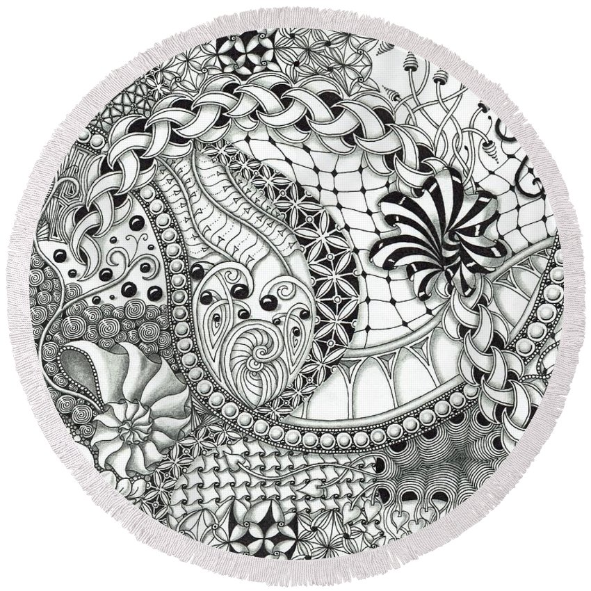 Black And White Round Beach Towel featuring the drawing Black And White Tangle Art by Stefanie Van Leeuwen