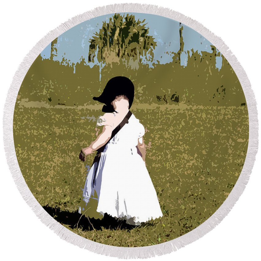 Child Round Beach Towel featuring the painting Black Bonnet by David Lee Thompson