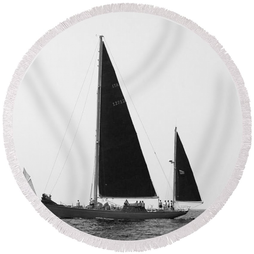 Black Round Beach Towel featuring the photograph Black Wings In Classic Sea Race by Pedro Cardona Llambias