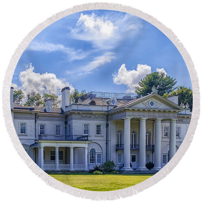 Blithwood Round Beach Towel featuring the photograph Blithewood Manor by Rachel Snydstrup