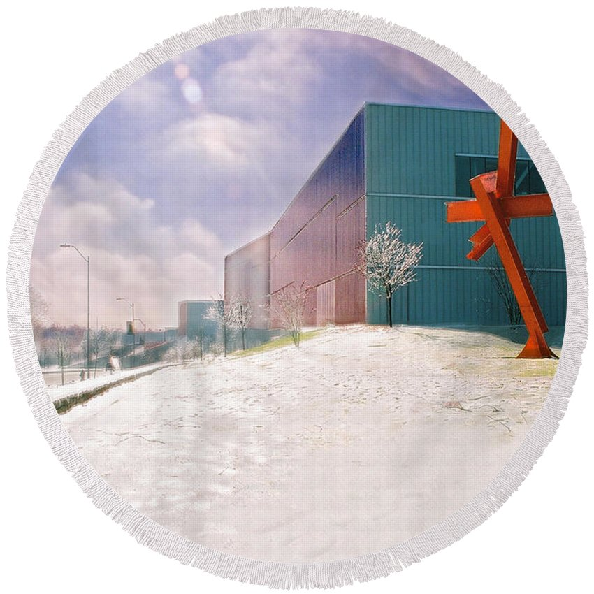 Landscape Round Beach Towel featuring the photograph Bloch Building At The Nelson Atkins Museum by Steve Karol