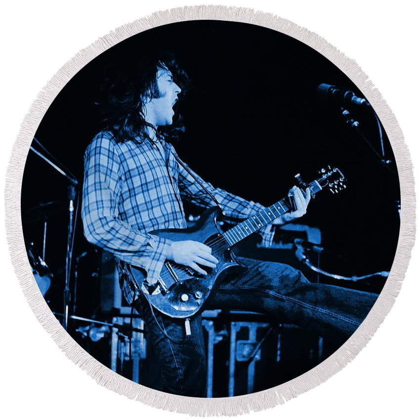 Rock Musicians Round Beach Towel featuring the photograph Blue Bullfrog Blues by Ben Upham