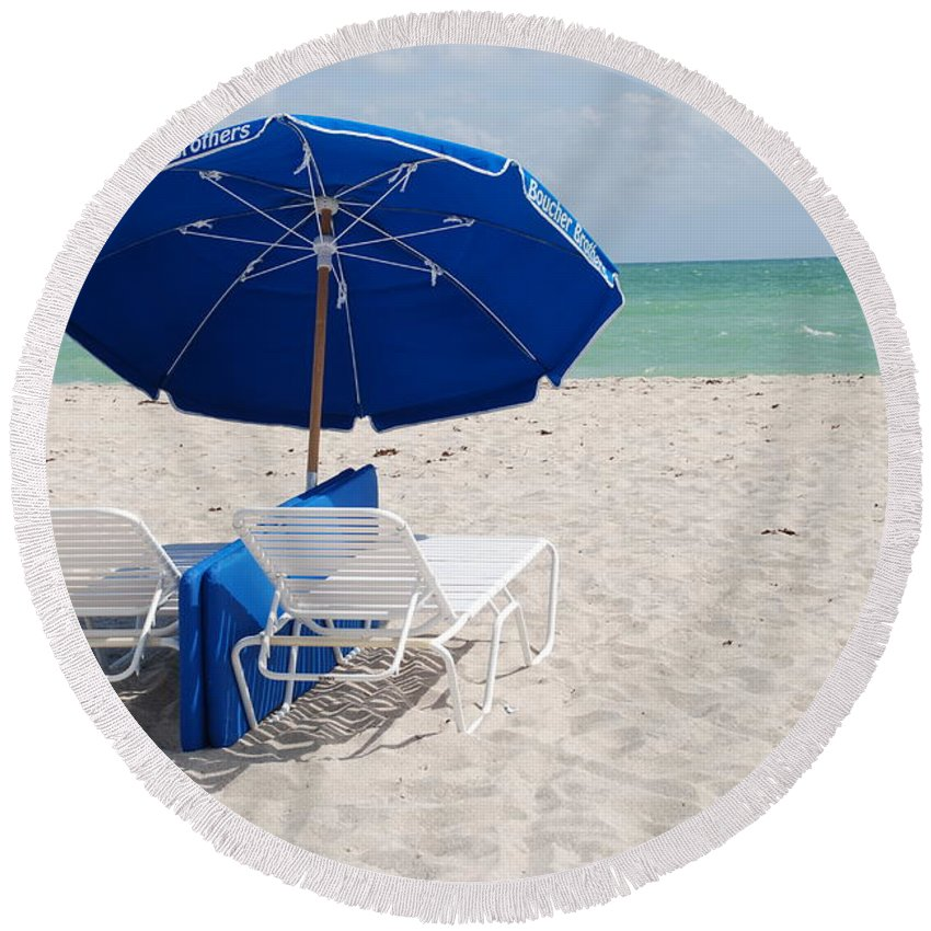 Sea Scape Round Beach Towel featuring the photograph Blue Paradise Umbrella by Rob Hans