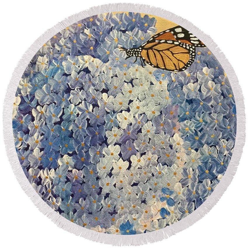 Floral Round Beach Towel featuring the painting Blue Splendor by Kim Mlyniec
