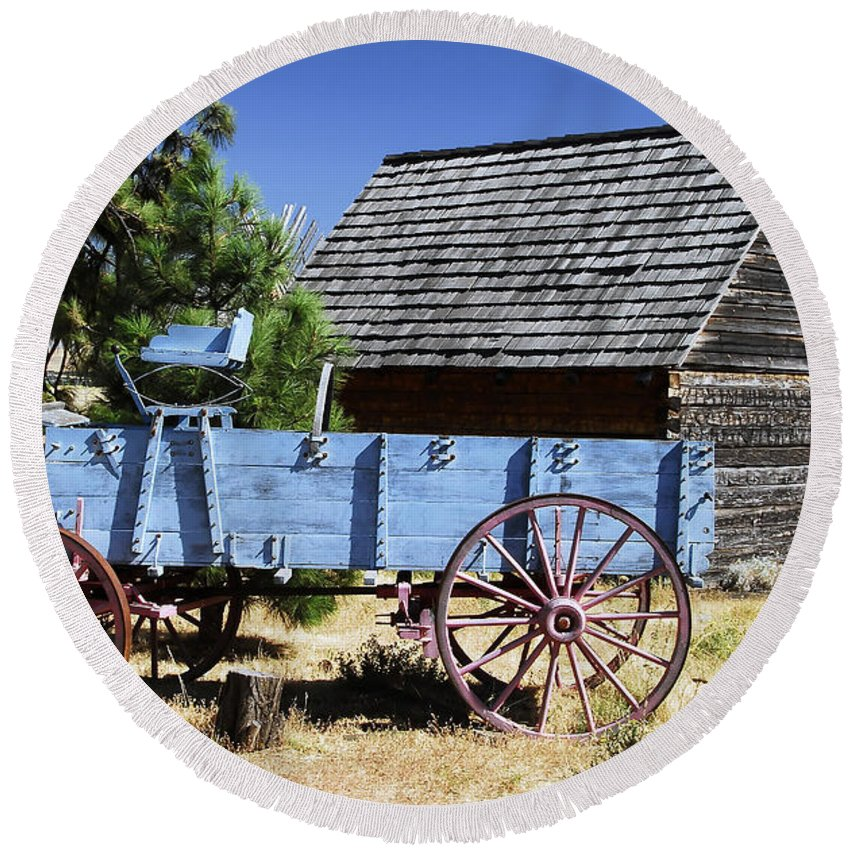 Wagon Round Beach Towel featuring the photograph Blue Wagon by David Lee Thompson