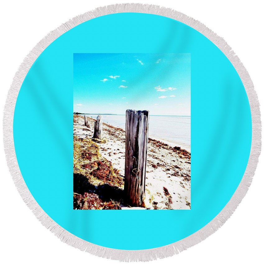 Posts Round Beach Towel featuring the photograph Boca by Jeffrey Hite