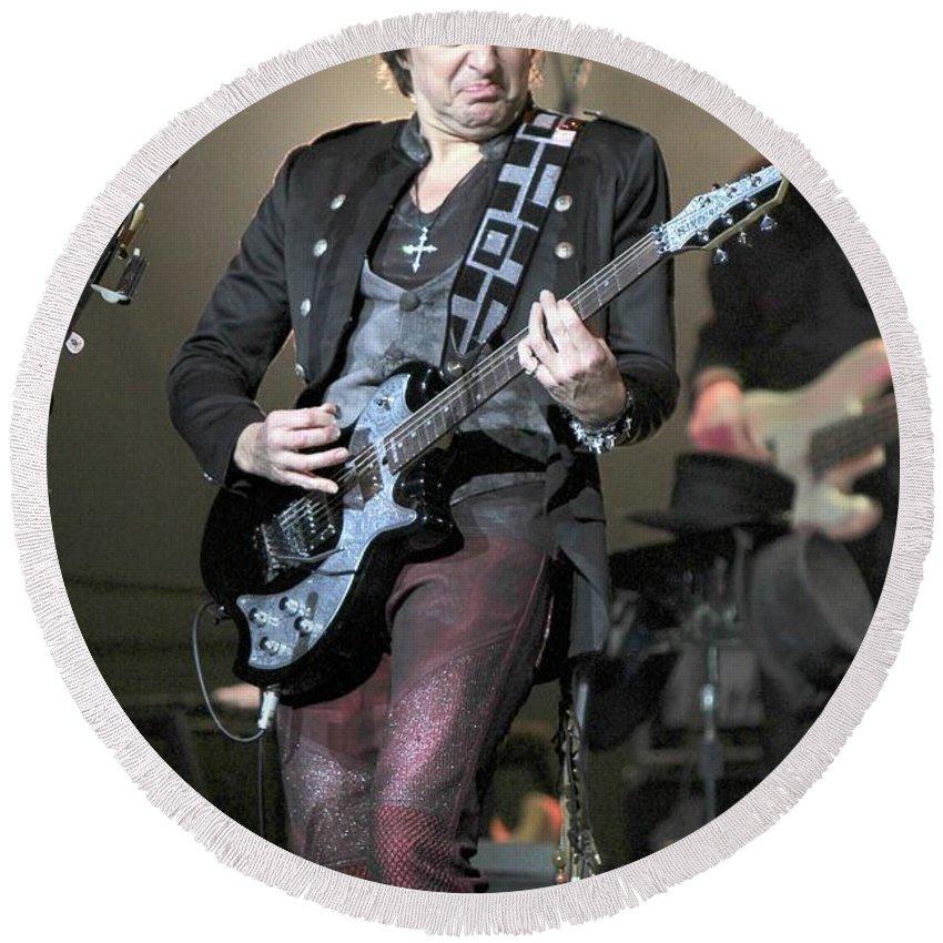 Hard Rock Country Rock Round Beach Towel featuring the photograph Bon Jovi Guitarist Richie Samboro by Concert Photos