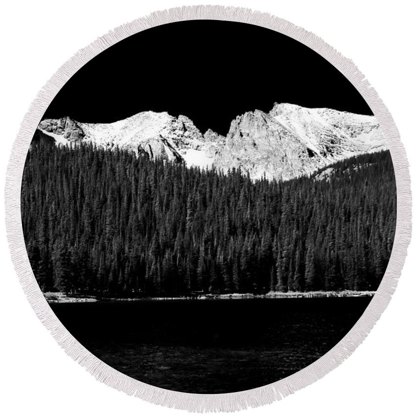 Brainard Lake Round Beach Towel featuring the photograph Brainard Lake - Indian Peaks by James BO Insogna