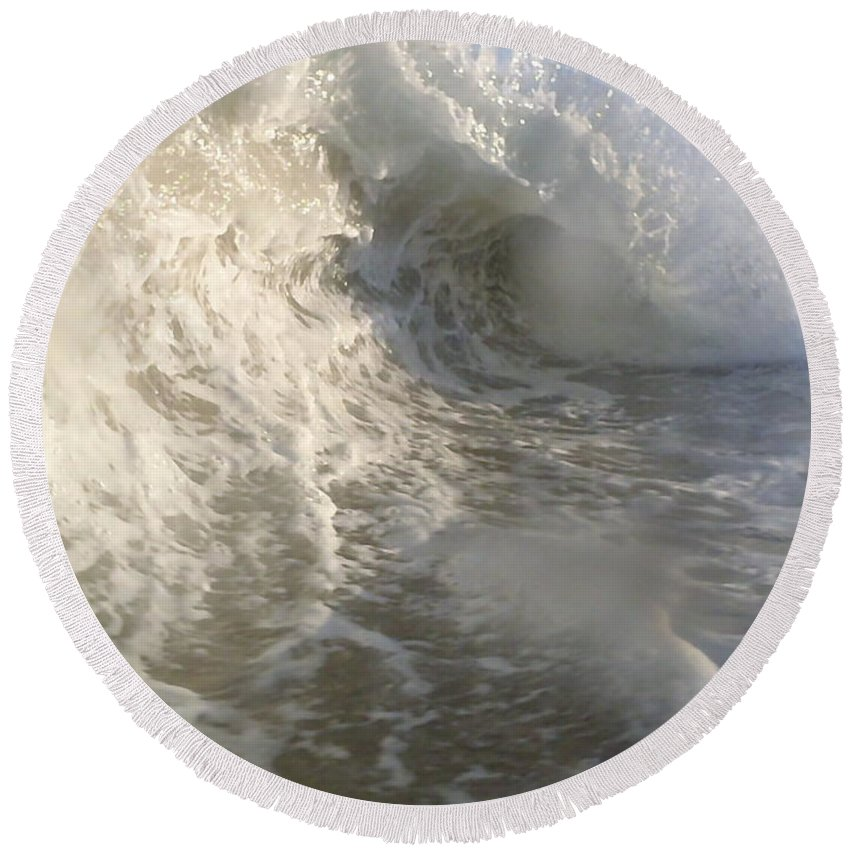 Ocean Round Beach Towel featuring the photograph Breaking Wave by Walter Murdock