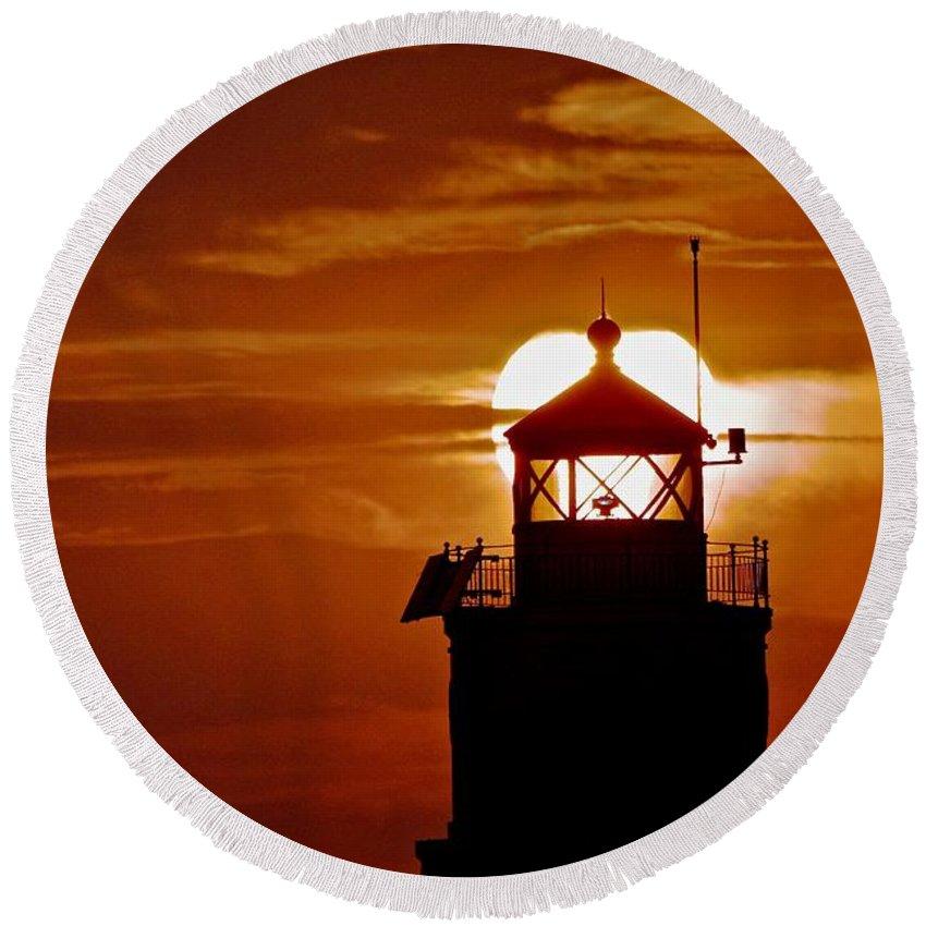 Lake Superior Ashland Lighthouse Round Beach Towel featuring the photograph Breakwater Light Sunset by James Stroshane