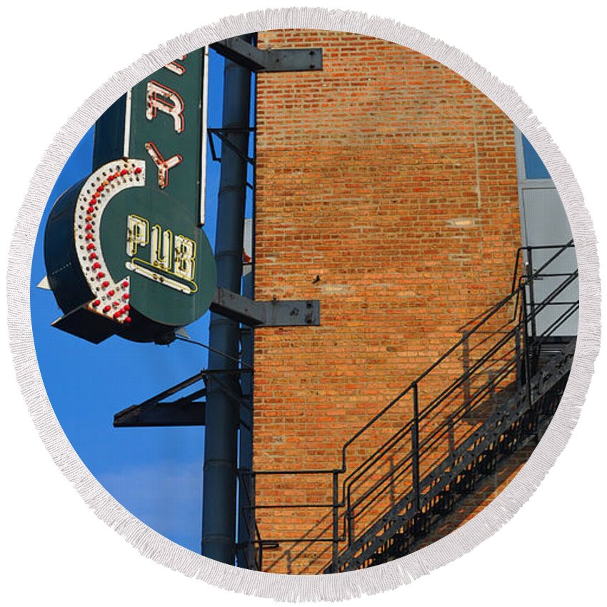 Chicago Round Beach Towel featuring the photograph Brewery Pub by Tim Nyberg