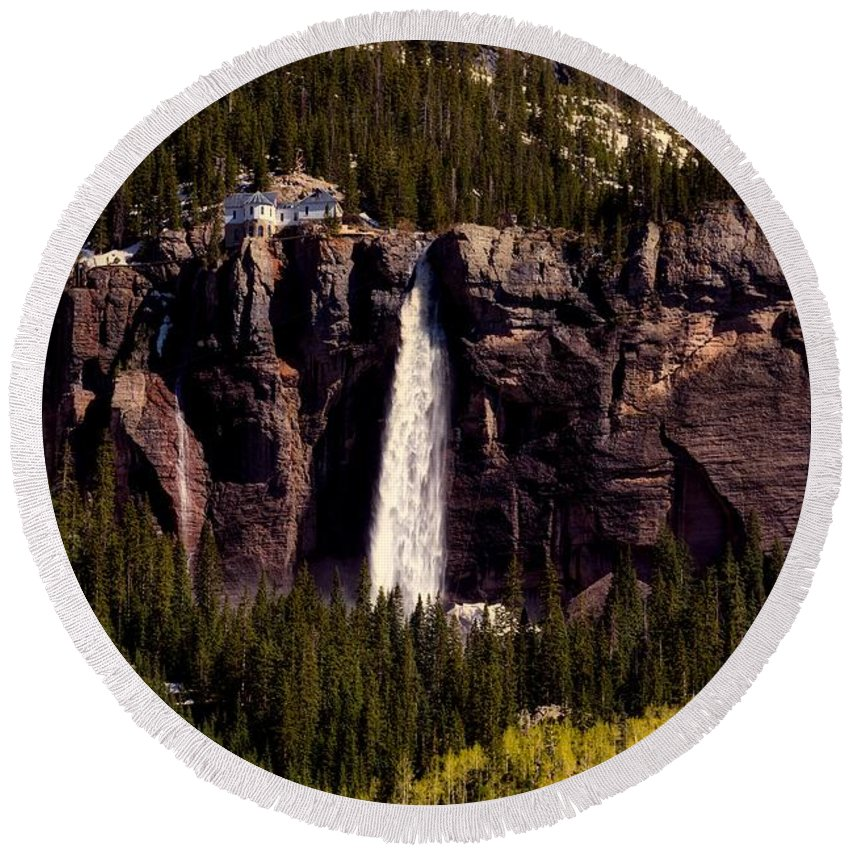 Overlook Round Beach Towel featuring the photograph Bridal Veil Falls by L O C
