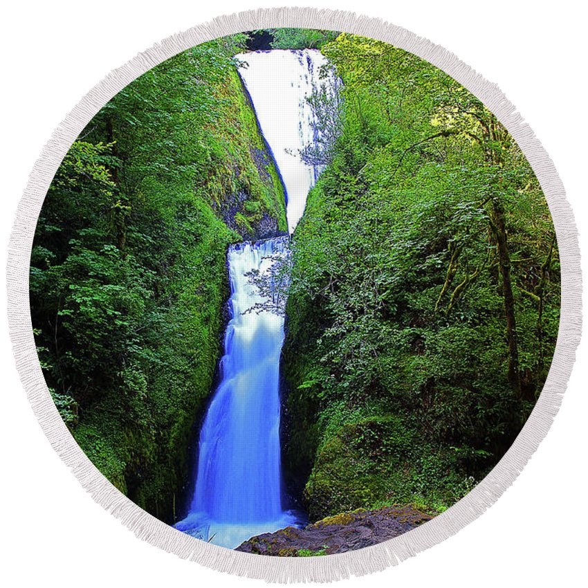 Oregon Round Beach Towel featuring the photograph Bridal Veil Falls by Rich Walter