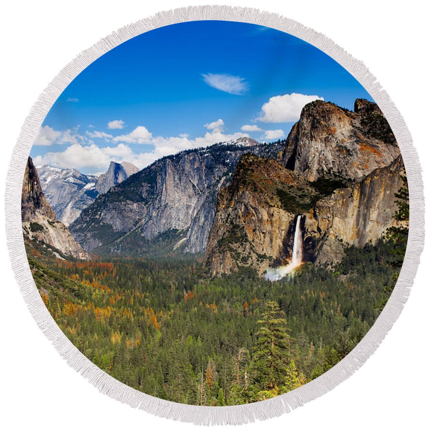 Tunnel View Round Beach Towel featuring the photograph Bridalveil Falls Rainbow by C Renee Martin