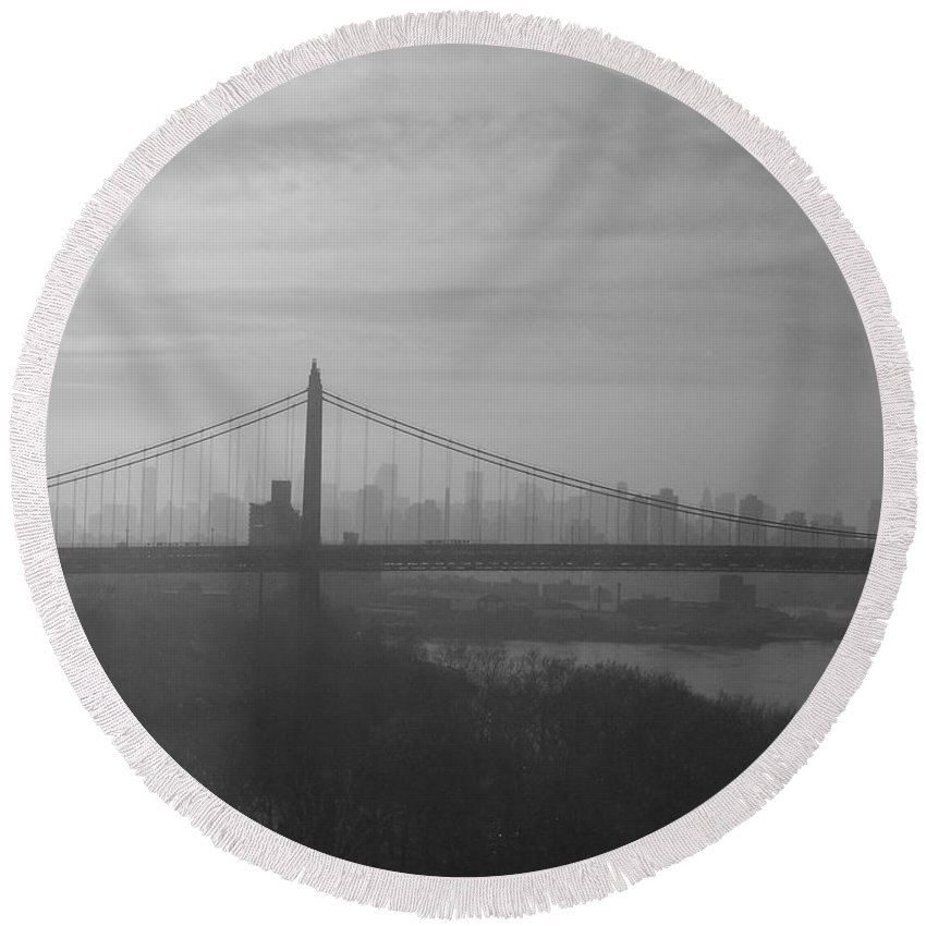 New York City Round Beach Towel featuring the photograph Bridge View by Paulette B Wright