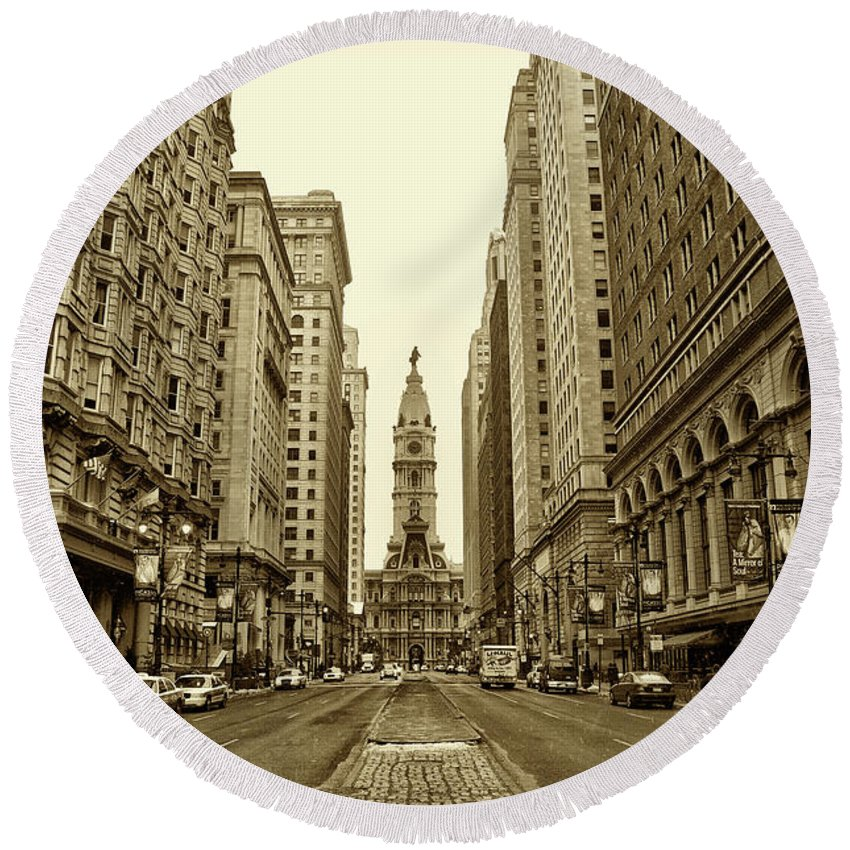 Broad Street Round Beach Towel featuring the photograph Broad Street Facing Philadelphia City Hall In Sepia by Bill Cannon