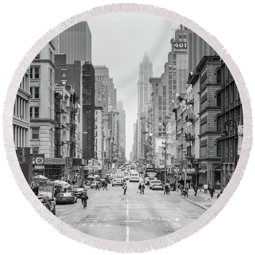 Broadway Round Beach Towel featuring the photograph Broadway Chill by Az Jackson