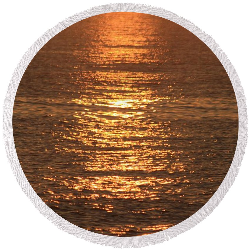 Ocean Round Beach Towel featuring the photograph Bronze Reflections by Nadine Rippelmeyer