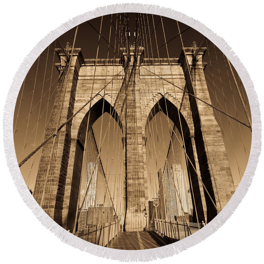 Arch Round Beach Towel featuring the photograph Brooklyn Bridge by Avril Christophe