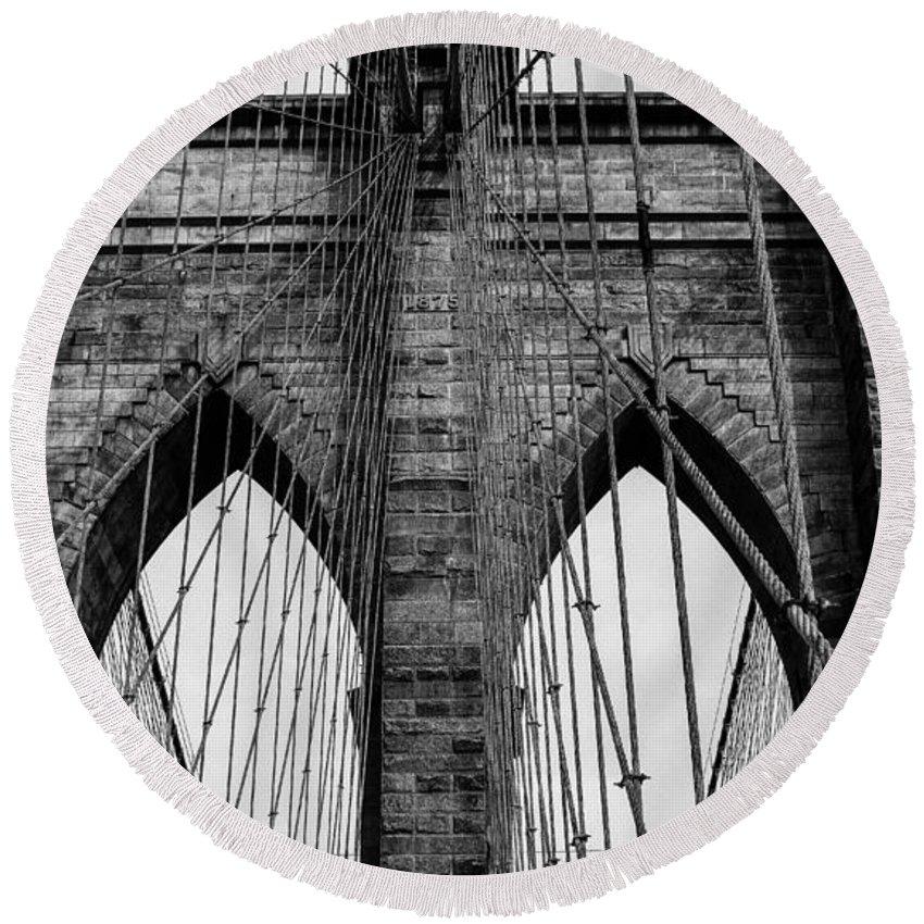 Brooklyn Bridge Round Beach Towel featuring the photograph Brooklyn Bridge In Black And White by Nicole Freedman