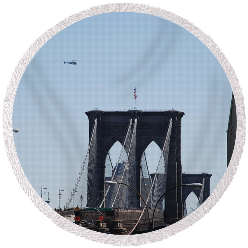 Architecture Round Beach Towel featuring the photograph Brooklyn Bridge by Rob Hans