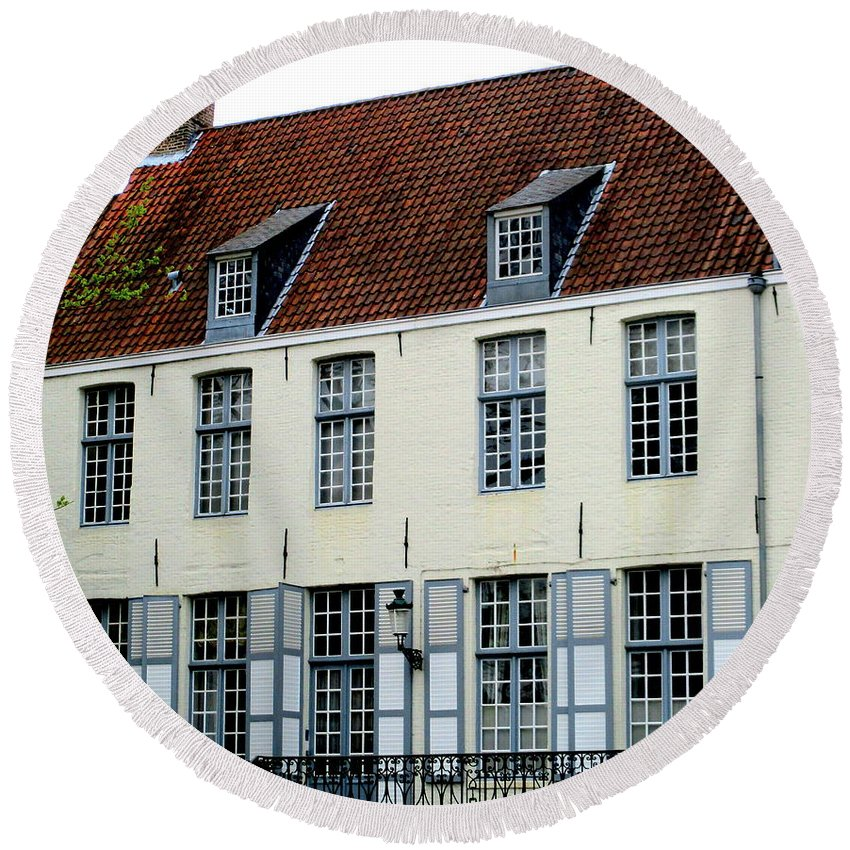 Bruges Round Beach Towel featuring the photograph Bruges 19 by Randall Weidner
