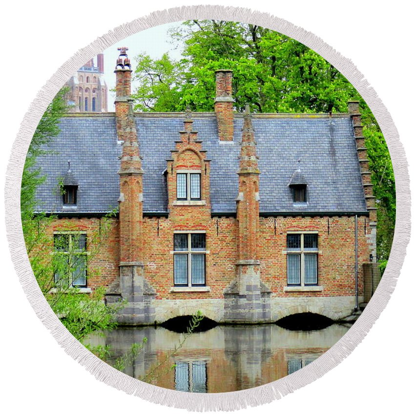 Bruges Round Beach Towel featuring the photograph Bruges Sashuis 4 by Randall Weidner