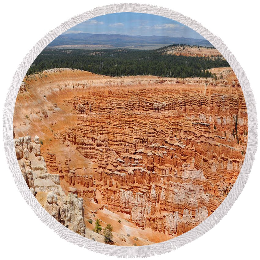 Bryce Canyon National Park Round Beach Towel featuring the photograph Bryce Canyon Inspiration Point by Kyle Hanson