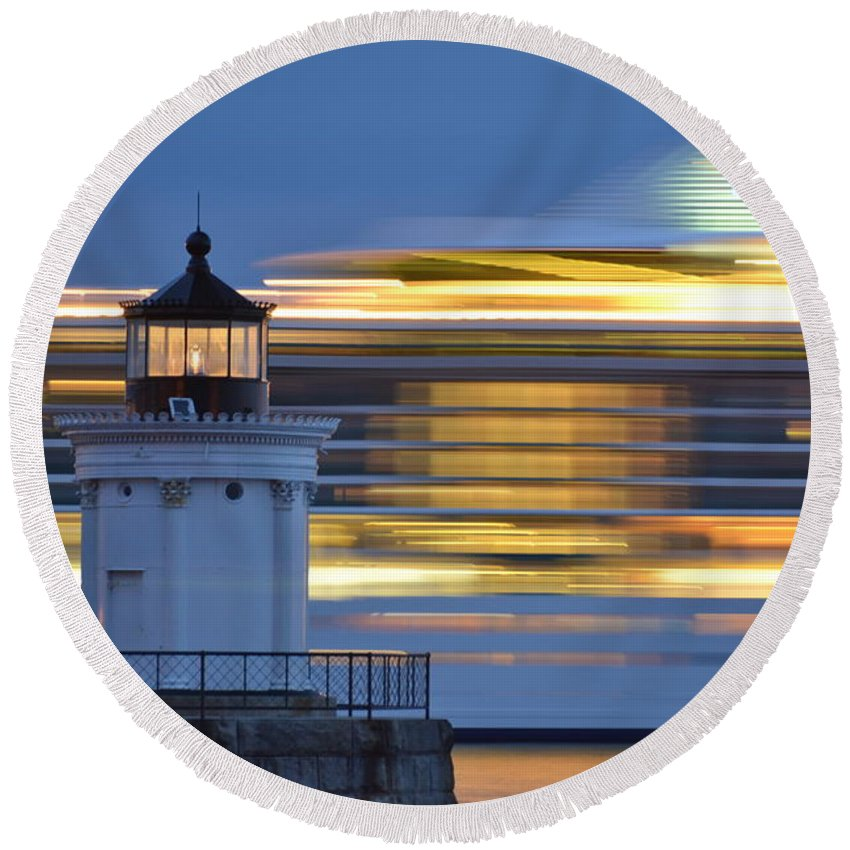 Bug Light Lighthouse Round Beach Towel featuring the photograph Bug Light Cruise Ship by Colleen Phaedra