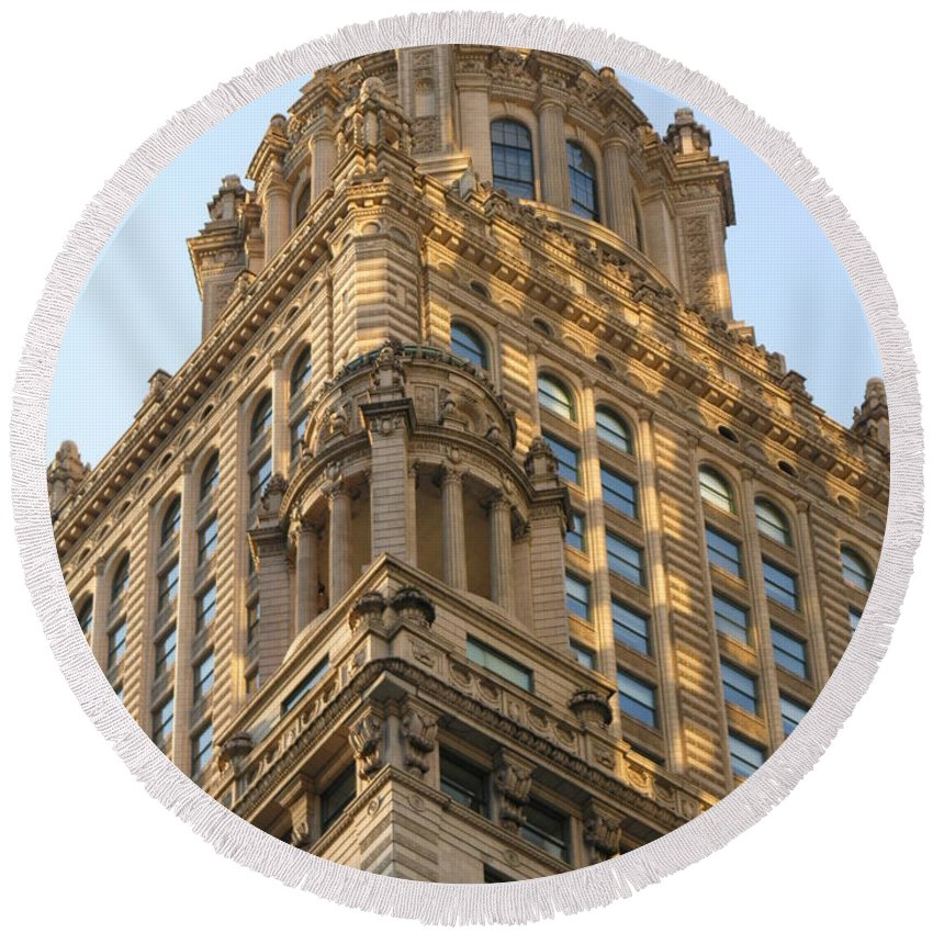 Building Round Beach Towel featuring the photograph Building Chicago by Diane Greco-Lesser