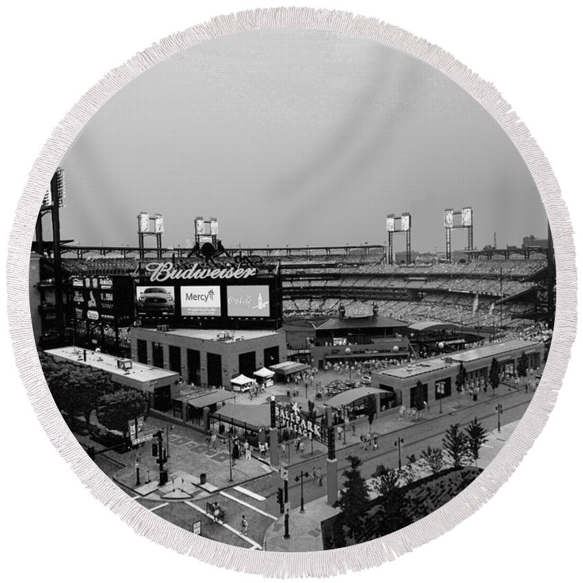 Busch Round Beach Towel featuring the photograph Busch Stadium From The East Garage Black And White by C H Apperson