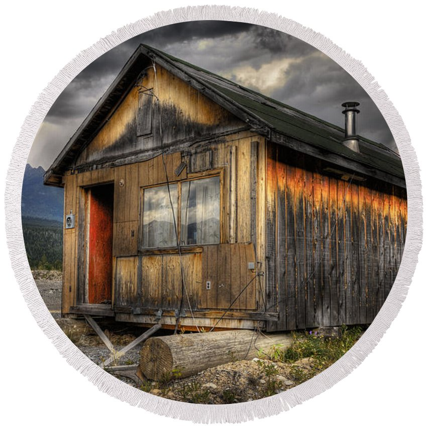 Architecture Round Beach Towel featuring the photograph Busted Shack by Wayne Sherriff