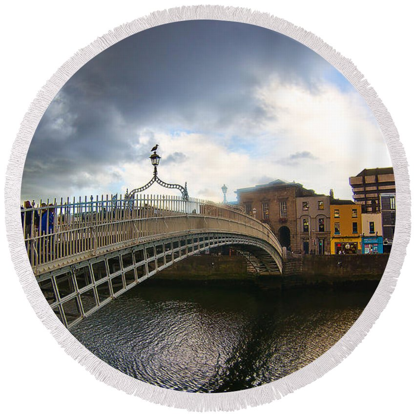 Ha'penny Bridge Round Beach Towel featuring the photograph Busy Ha'penny Bridge 4 by Alex Art and Photo