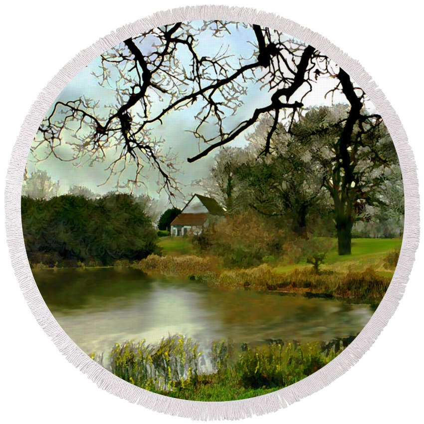 England Round Beach Towel featuring the photograph Butlers Retreat Epping Forest Uk by Kurt Van Wagner