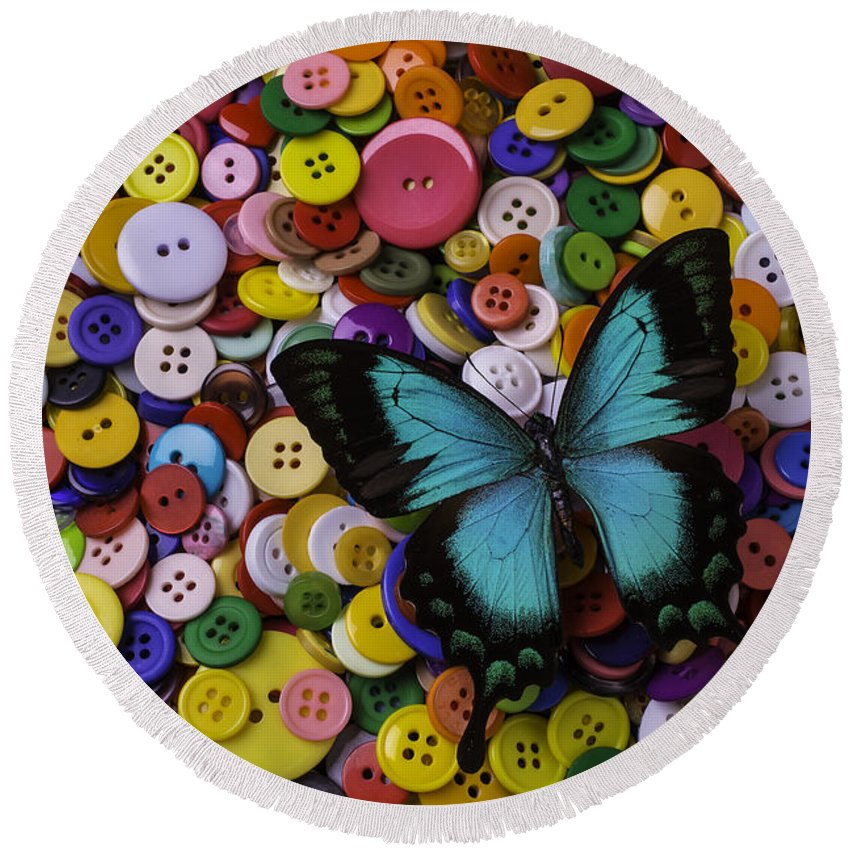 Butterfly Round Beach Towel featuring the photograph Butterfly On Buttons by Garry Gay