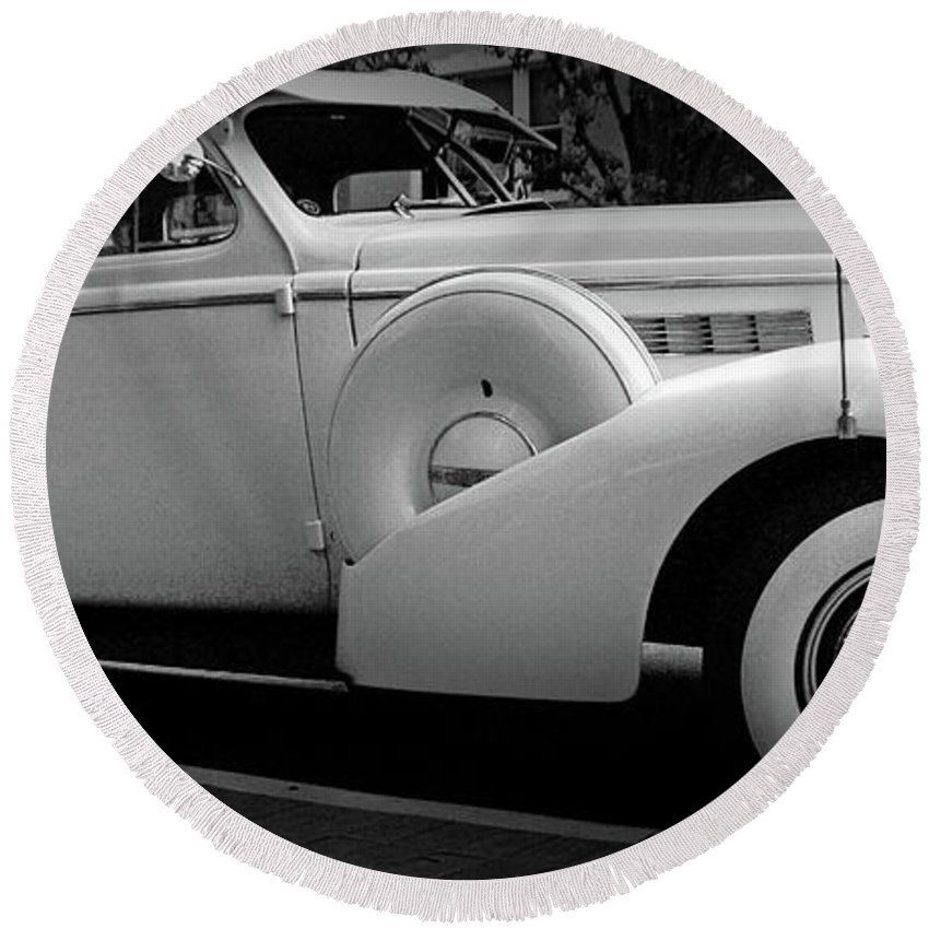 Round Beach Towel featuring the photograph Bw Buick 8 by Absorb Productions