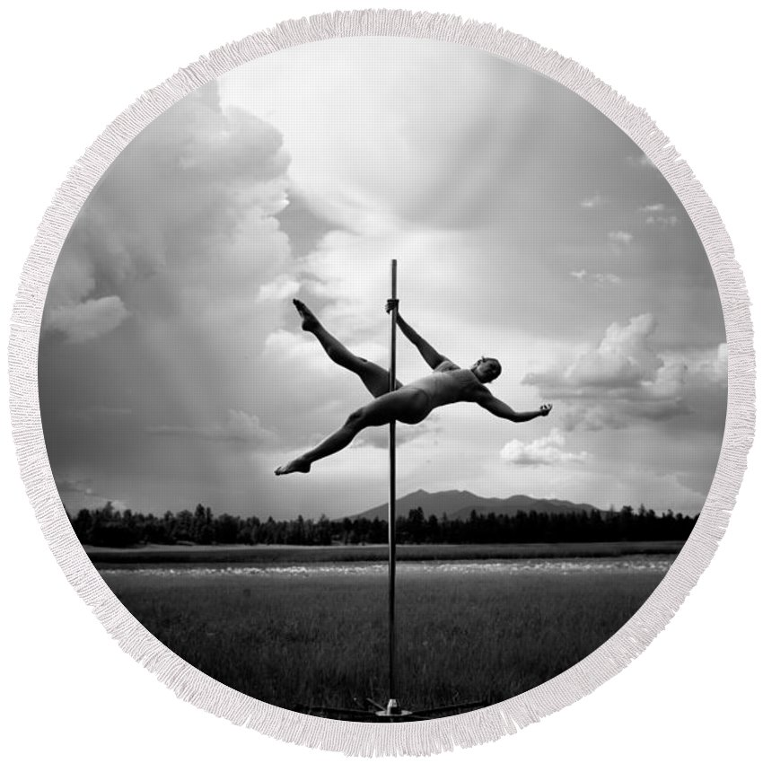 Location Round Beach Towel featuring the photograph Bw Pole Dancing In A Storm by Scott Sawyer