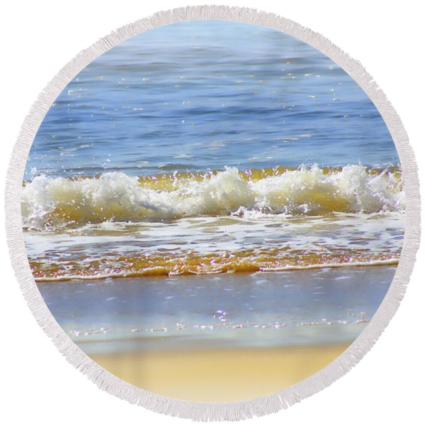 Seascapes Round Beach Towel featuring the photograph By The Coral Sea by Holly Kempe