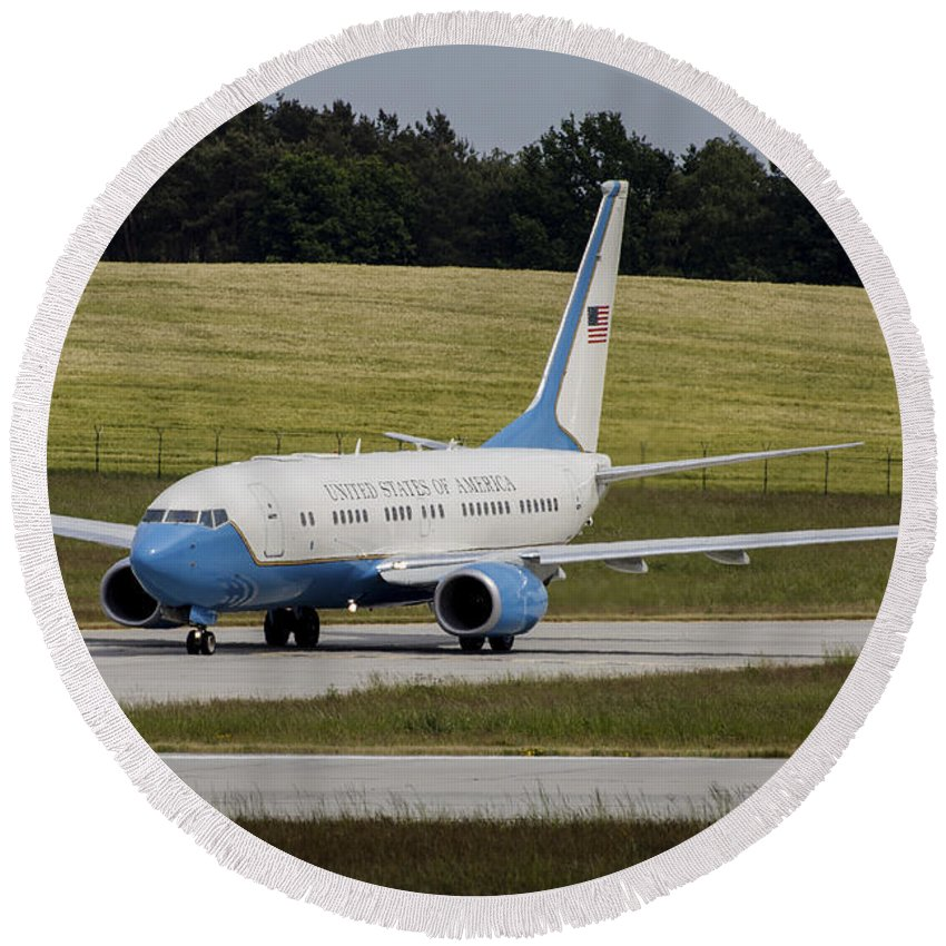 Horizontal Round Beach Towel featuring the photograph C-40 Clipper Taxiing At Dresden by Timm Ziegenthaler
