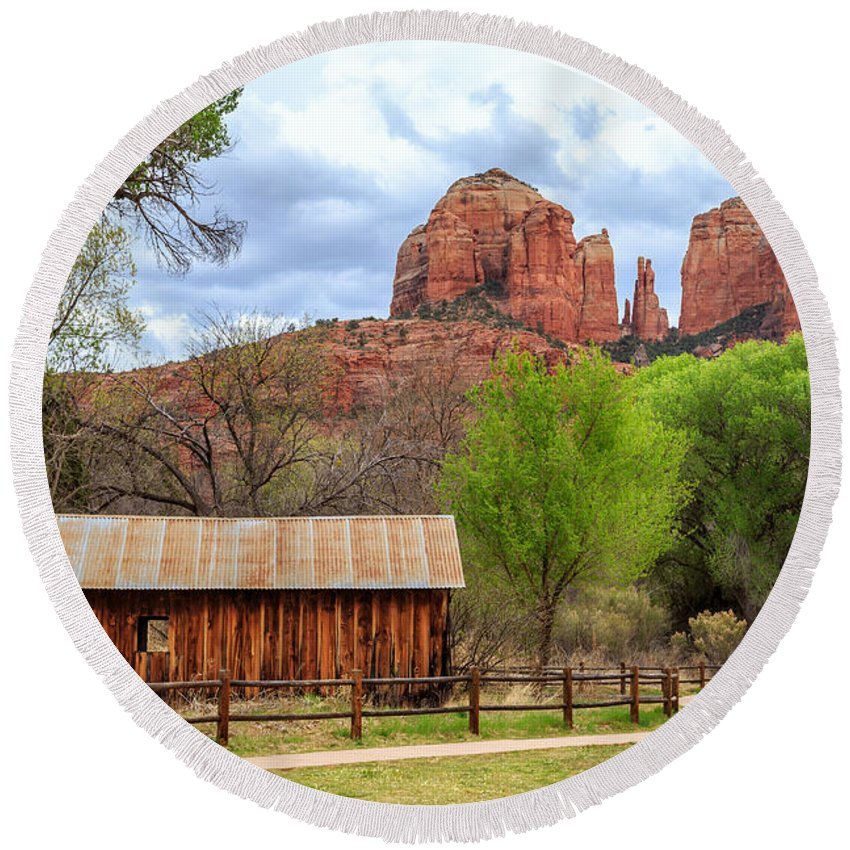 Cabin Round Beach Towel featuring the photograph Cabin At Cathedral Rock by James Eddy