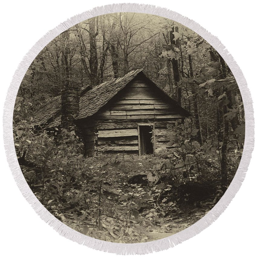 Ann Keisling Round Beach Towel featuring the photograph Cabin In The Woods by Ann Keisling