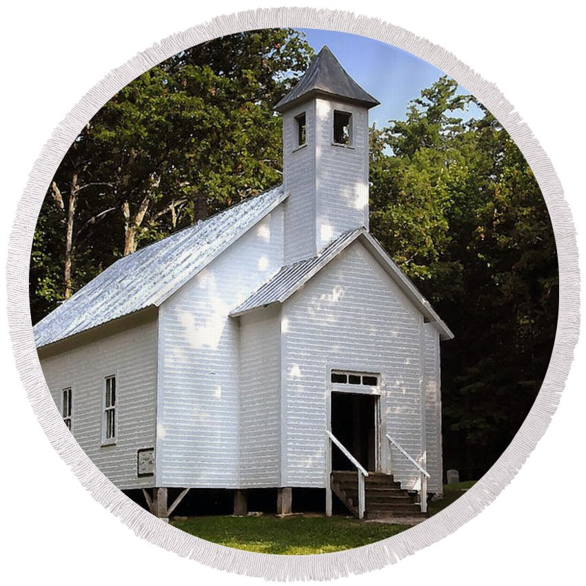 Baptist Round Beach Towel featuring the photograph Cades Cove Baptist Church by David Lee Thompson