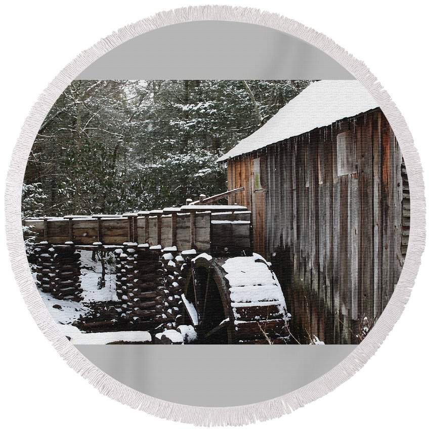 Smoky Mountains Round Beach Towel featuring the photograph Cades Cove Mill II by Margie Wildblood