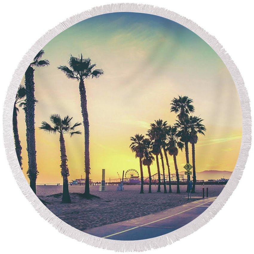 Venice Beach Round Beach Towel featuring the photograph Cali Sunset by Az Jackson