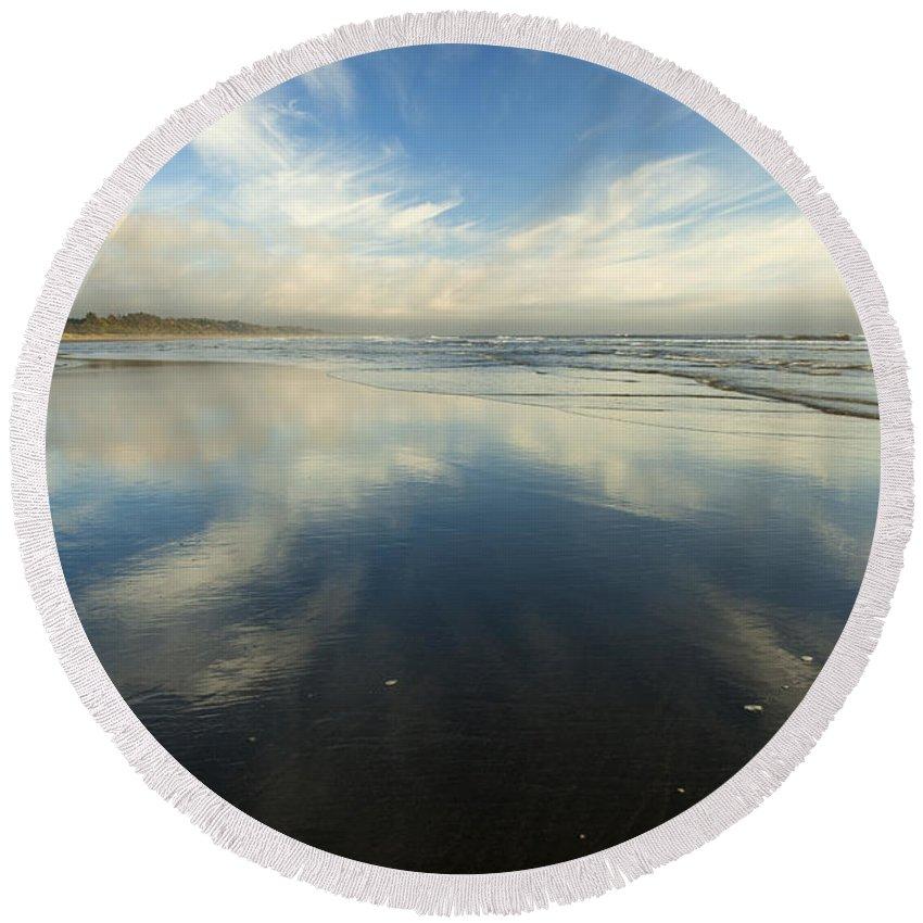 Cirrus Round Beach Towel featuring the photograph California Cirrus Explosion by Mike Dawson